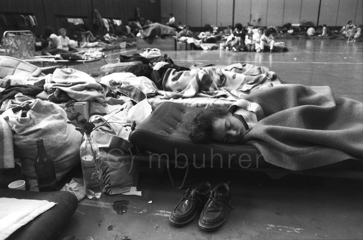 Accueil d'urgence de réfugiés de Sarajevo/Emergency accomodation for refugees from Sarajevo, Splilt, 27.05.1992