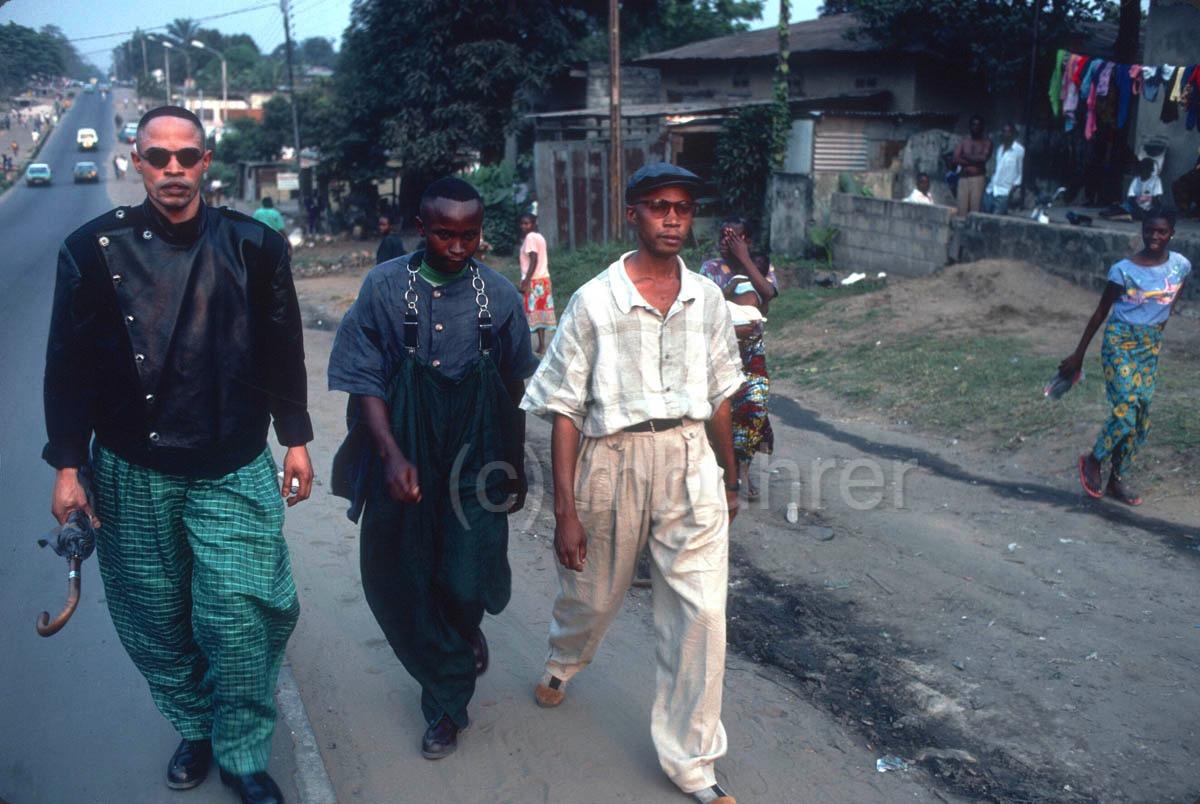Sapeurs à Brazzavile (Congo), 1990